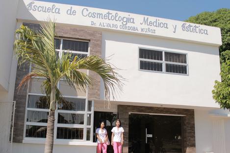 Escuela de Cosmetologia Medica y Estetica Dr  Alvaro Cordoba